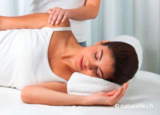 Die Alexandertechnik soll durch Bewegungsarbeit die Selbstregulierungskräfte des Körpers anregen.