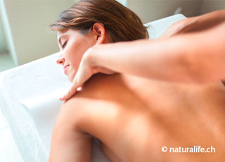 Die Atlastherapie wird vor allem bei Beschwerden des Bewegungsapparates angewendet.