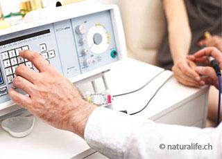 Die Bioresonanz-Therapie versucht, kranke Körperschwingungen von den Gesunden zu trennen.